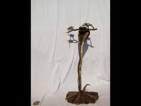 102swiecznik kobra z gałązką
